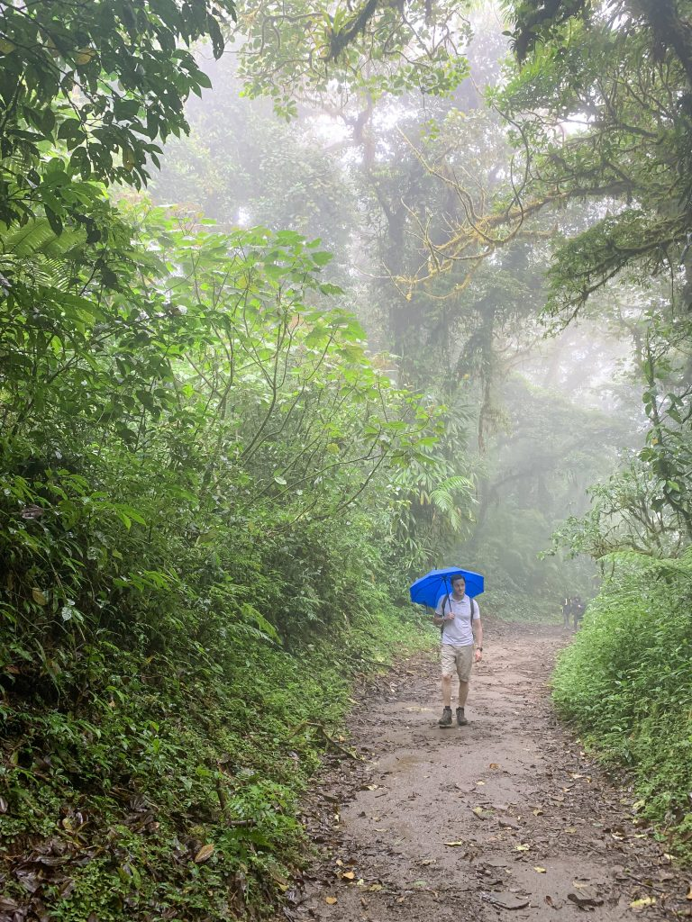 Hiking through the rain in Monteverde cloud forest