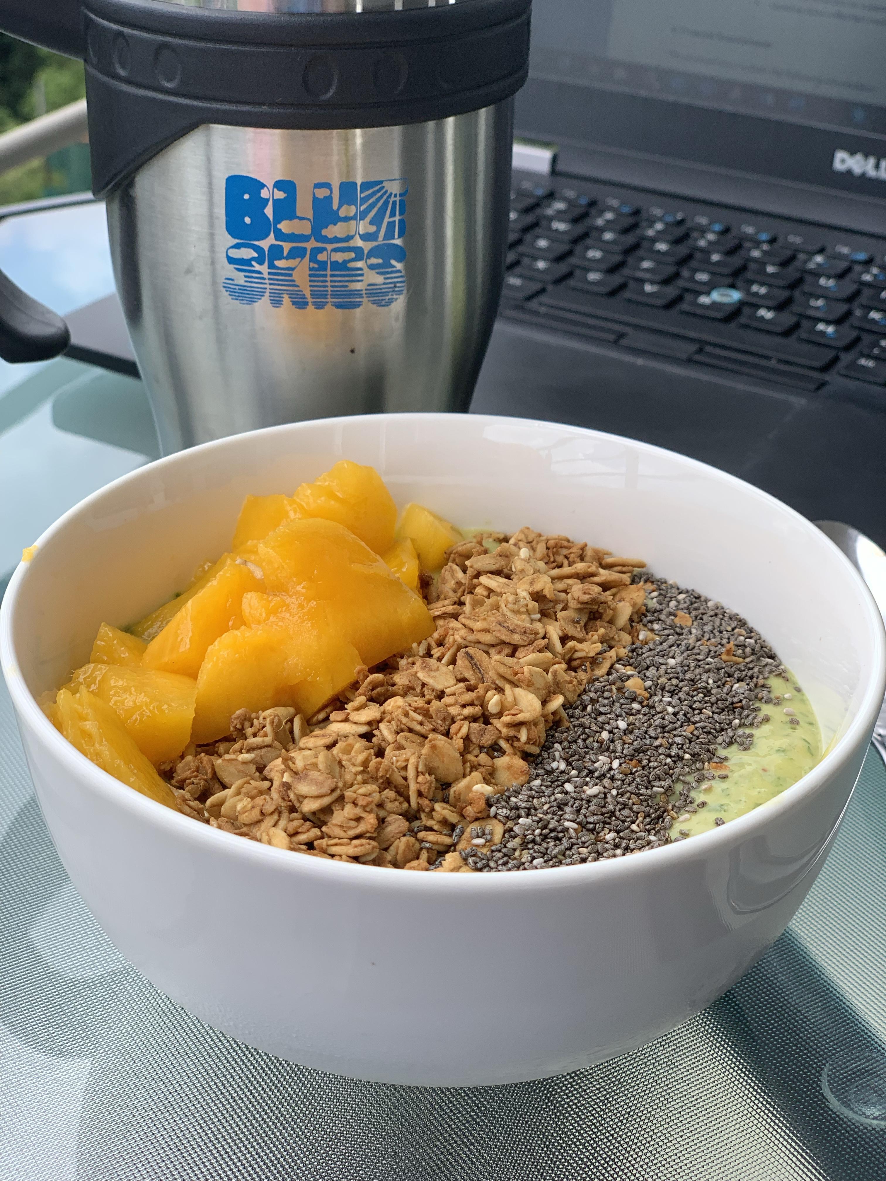 Mango Kale Smoothie Bowl